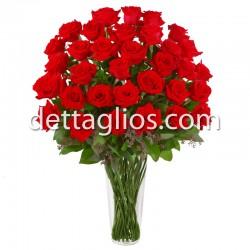 50 rosas en Jarron