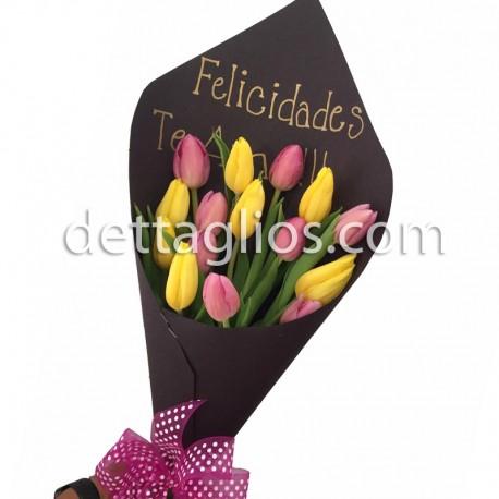 Tulipanes en papel