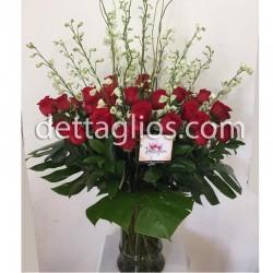 Rosas y Delphinium
